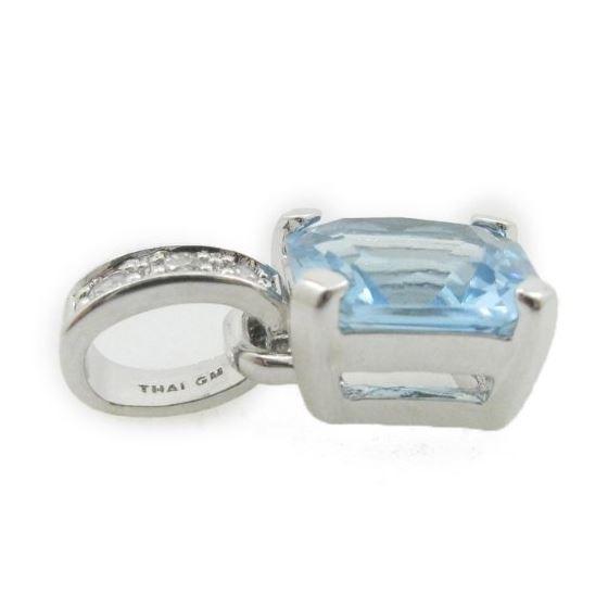 Ladies .925 Italian Sterling Silver tear drop pendant with blue stone Length - 20mm Width - 10mm 3